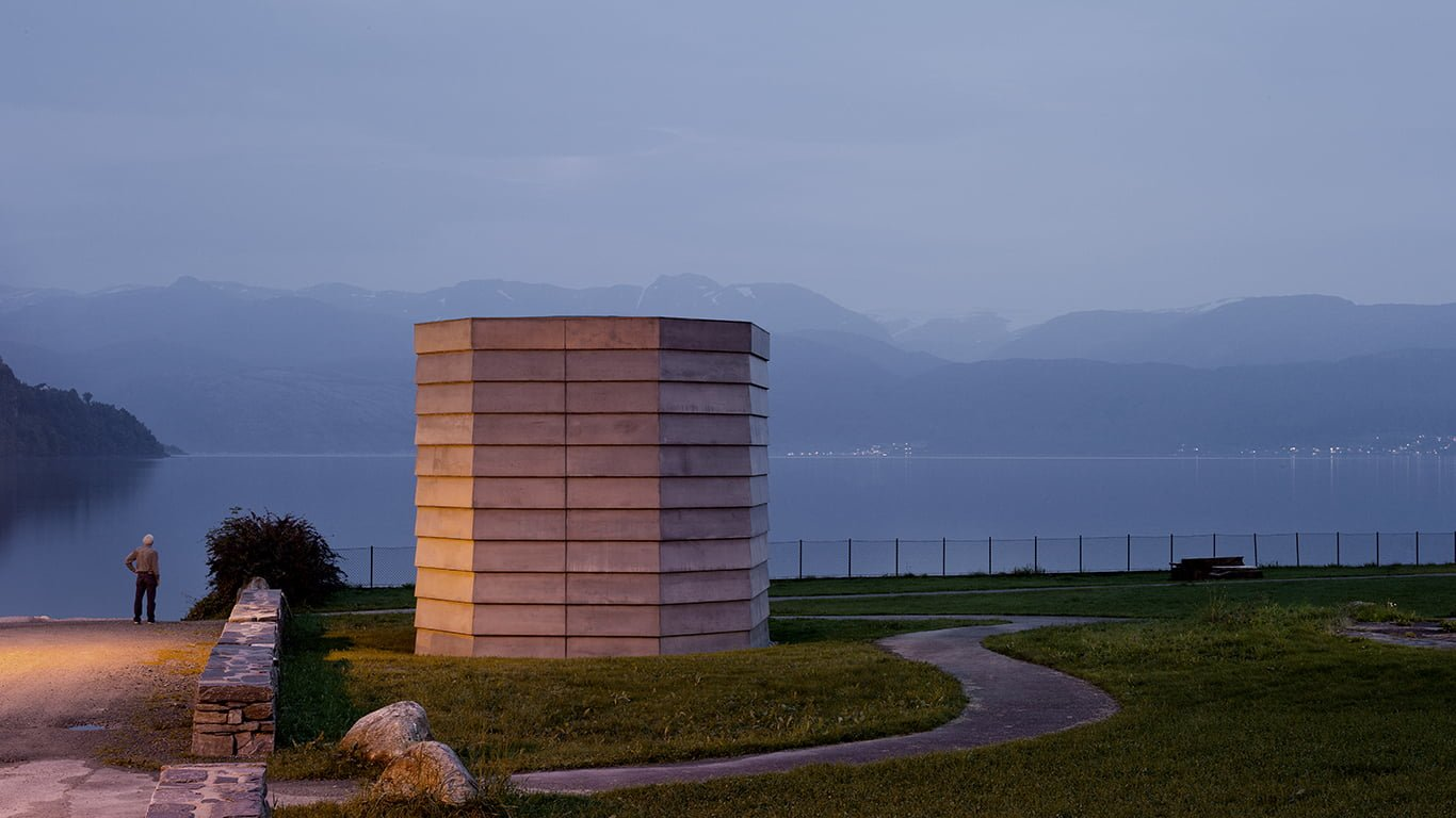 Hardanger Skyspace av James Turrell. Like ved Hardangerfjorden i bygda Øystese